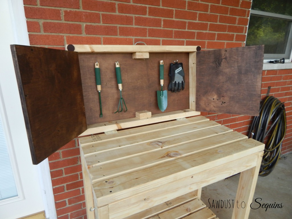 Potting Bench 27